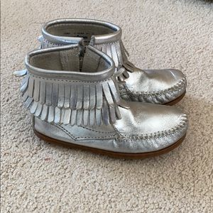 Silver girls Minnetonkas size 11